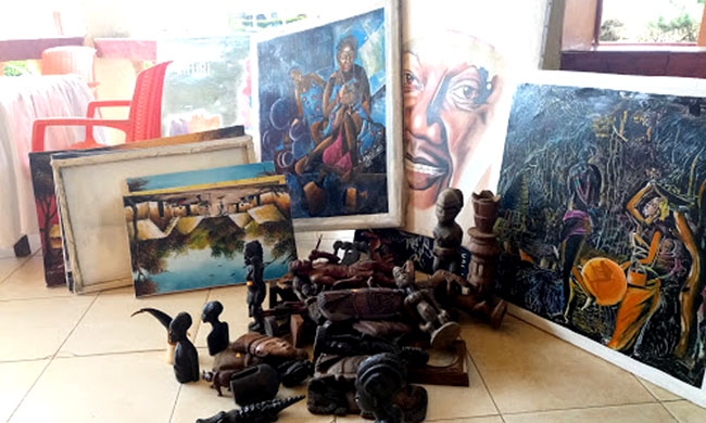 Exhibition of works by painters Dolet Malalu and Christian Badibanga at Hall de la Gombe