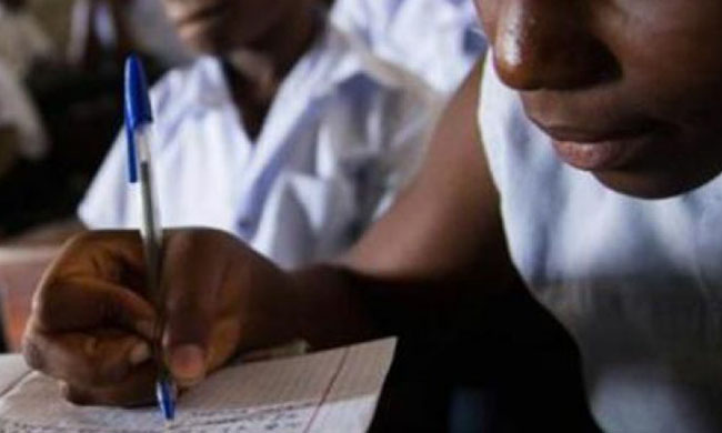 Secondary school finalist students against the costs of participation for the State exam