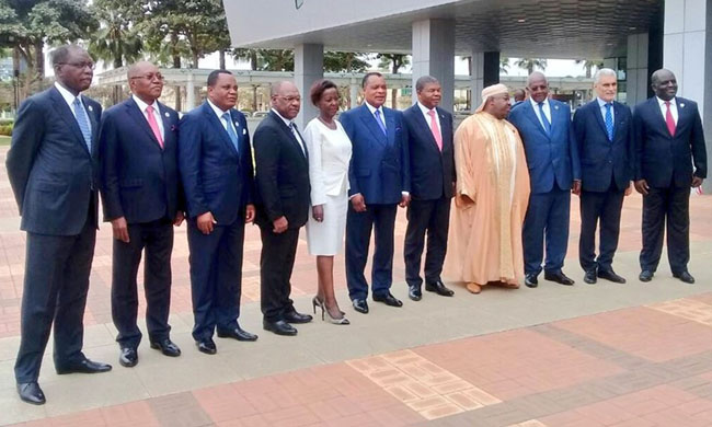 President Joseph Kabila congratulated by his peers of sub-region at the Luanda Summit