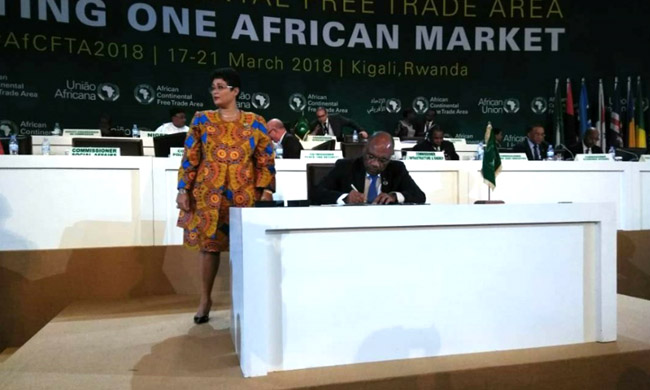 In the name of Joseph Kabila: She Okitundu signs the agreement of African continental free trade area in Kigali
