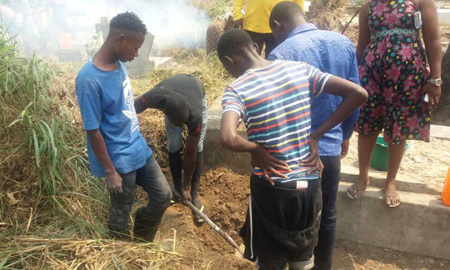 Kinshasa people alert on the disorderly management of urban cemeteries