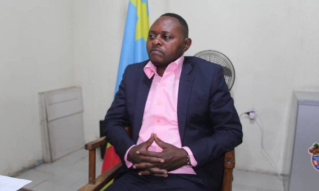 Salongo: the mayor of Selembao preaches by example