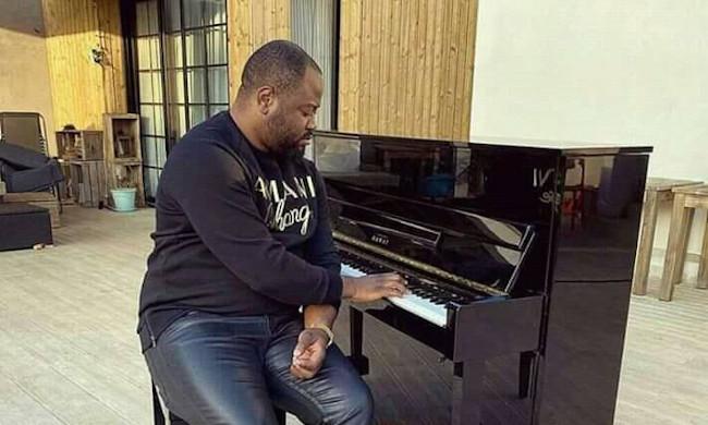 "Launching on next 15 February of the album ""Triomphe"" over Pastor Moïse Mbiye"