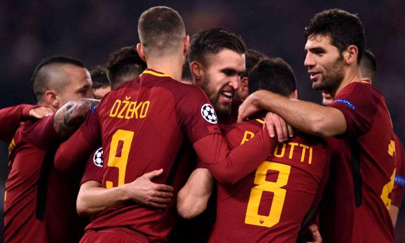 Le président fête la qualification dans la fontaine — AS Rome
