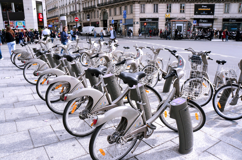 Vélib Station, Place du Havre, Paris - Frenchly