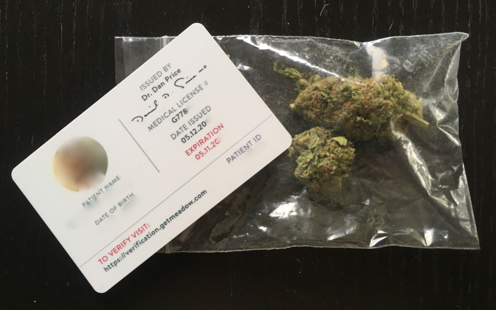 La Medical Marijuana Identification Cards (MMIC), l'autre carte verte américaine. (Crédit: Klervi Drouglazet)