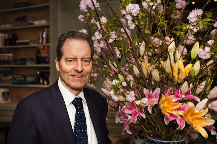 À Majorelle, Charles Masson se réinvente, mais garde les fleurs - French  Morning b2bc400bd97