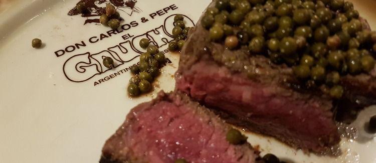 Zu allen Steaks ein Glas 0,1l offener Hauswein gratis