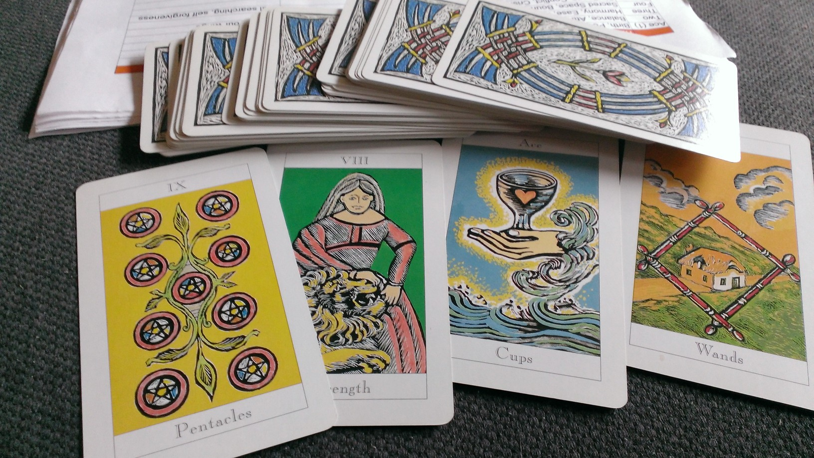 Who knows what ‪‎Tarot‬ deck is this?