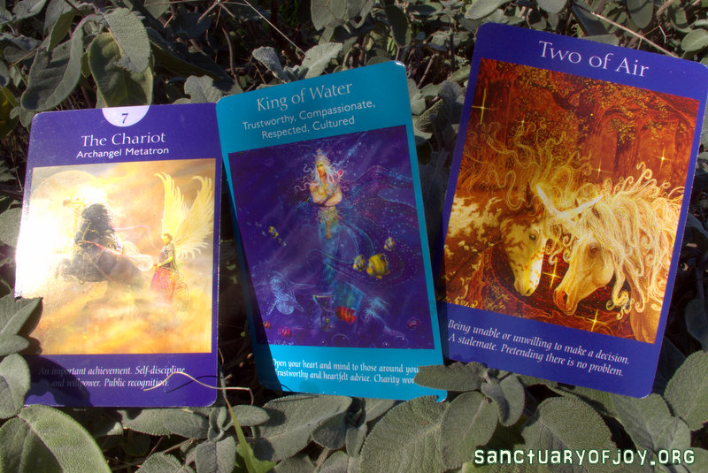 Tarot card reading and astrological tips for December 2016