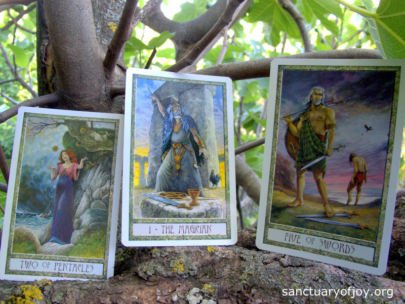 Monthly Tarot reading for June 2017