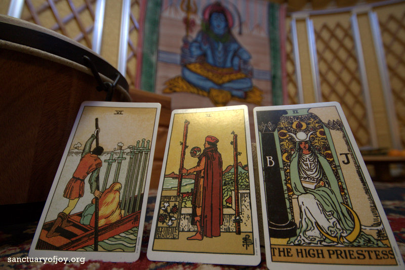Monthly Tarot reading for January 2018