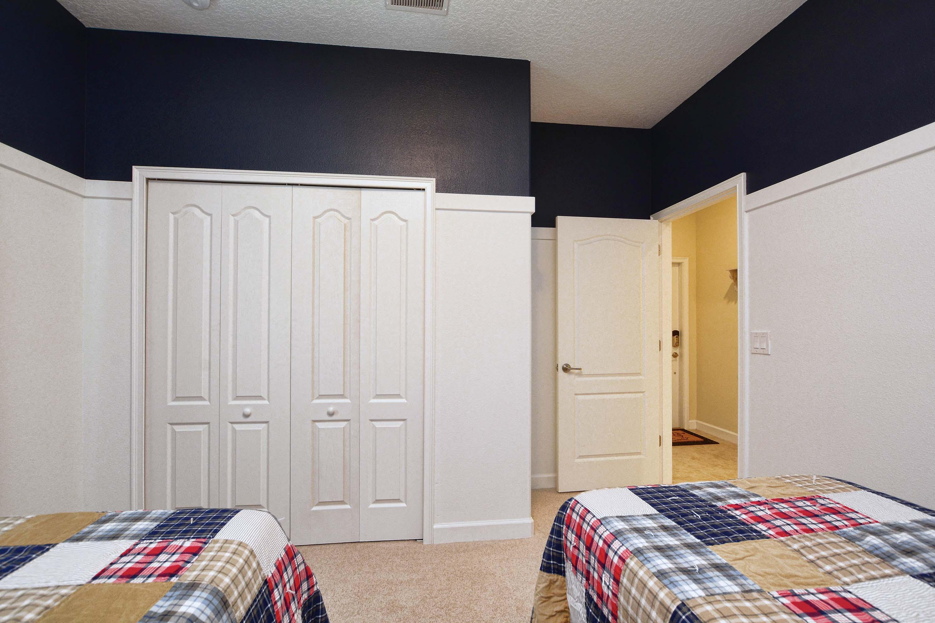 a8a36aee-bedroom22