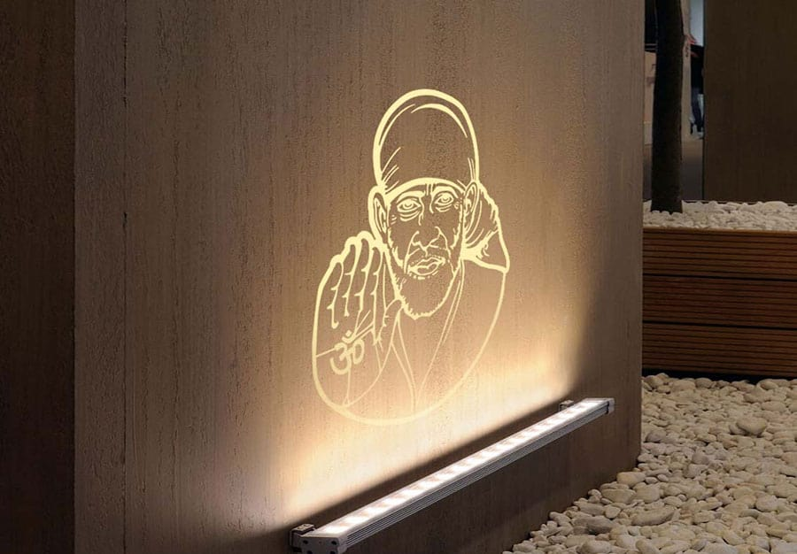 WDC01040 Sai Baba Ivory L room decal