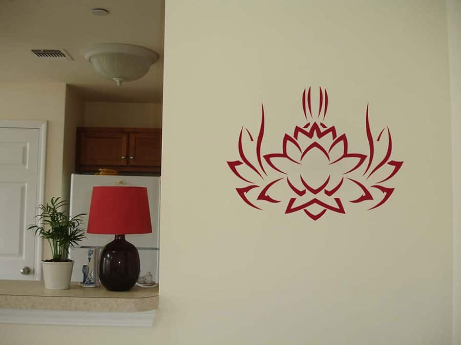 WDC01045 Tribal Lotus MaroonCrayola L room decal