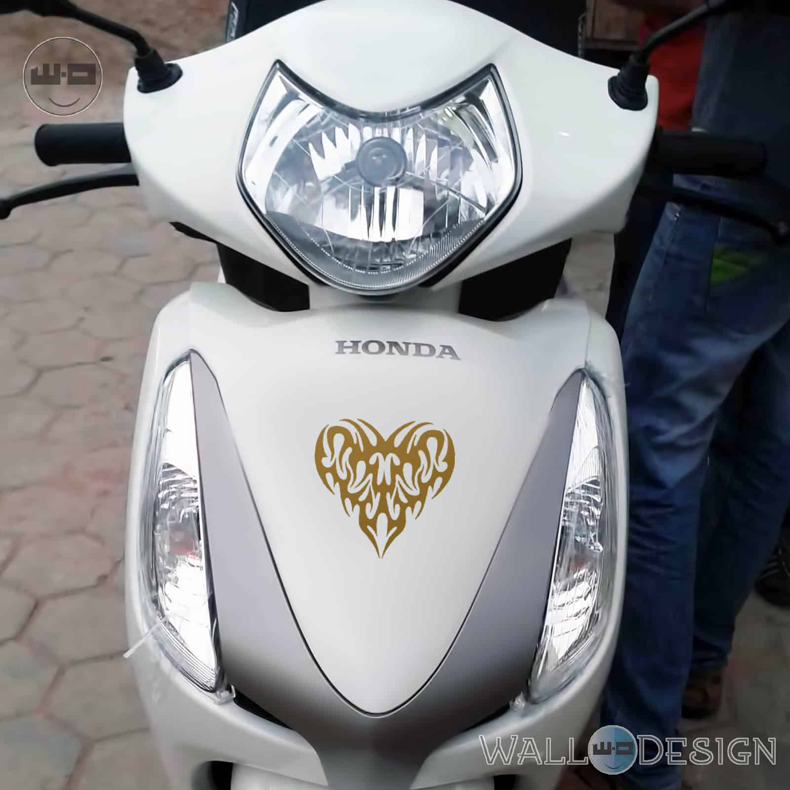 Wdc02017b walldesign scooter stickers pump my heart with love gold jpg