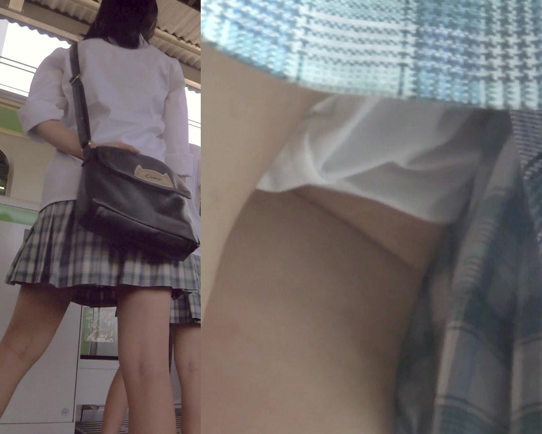 パンチラ盗撮 制服女子 電車内で白パンツもろ見え
