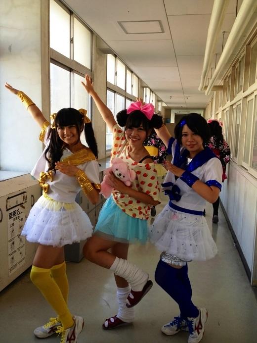 【JK文化祭01】ぎゃる子たちの寒さもふっとばす制服祭り