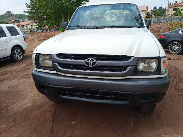 2000 Toyota Hilux