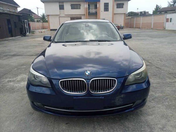 2009 BMW 525