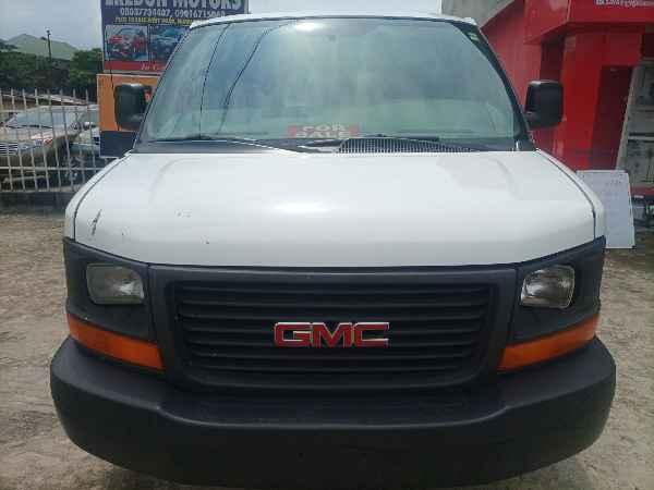 2005 GMC Savana