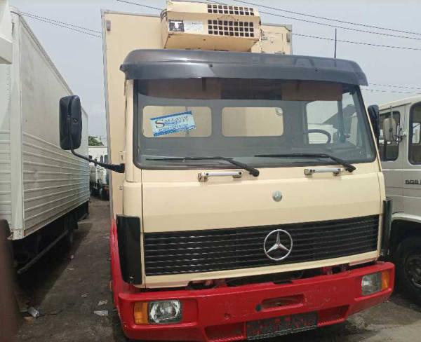 2001 Mercedes-Benz 816