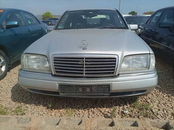 2001 Mercedes-Benz C 180
