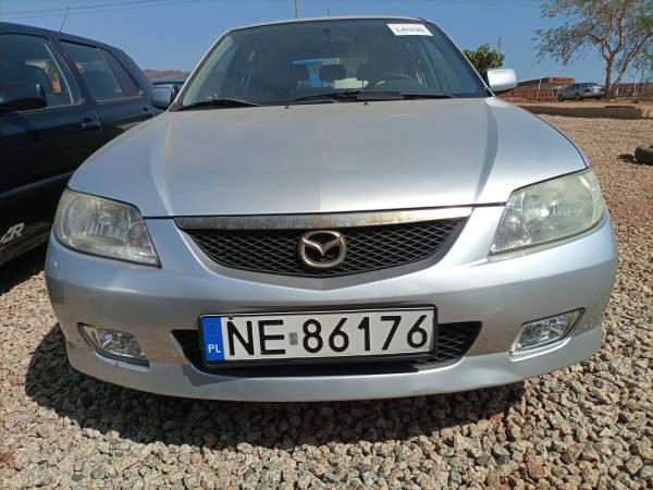 2001 Mazda 323