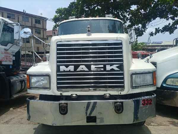 1993 Mack CH612