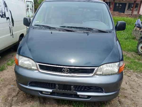 2004 Toyota Hiace