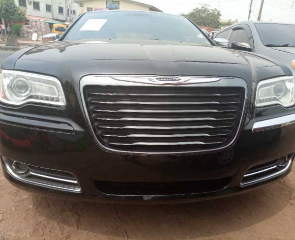 2012 Chrysler 300 M