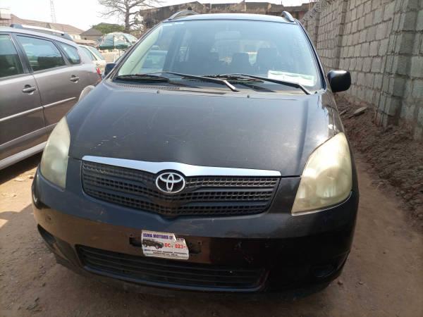2000 Toyota Corolla Verso