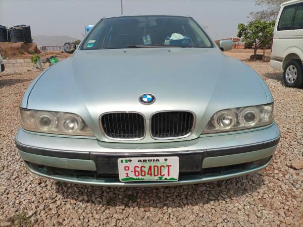 1999 BMW 523