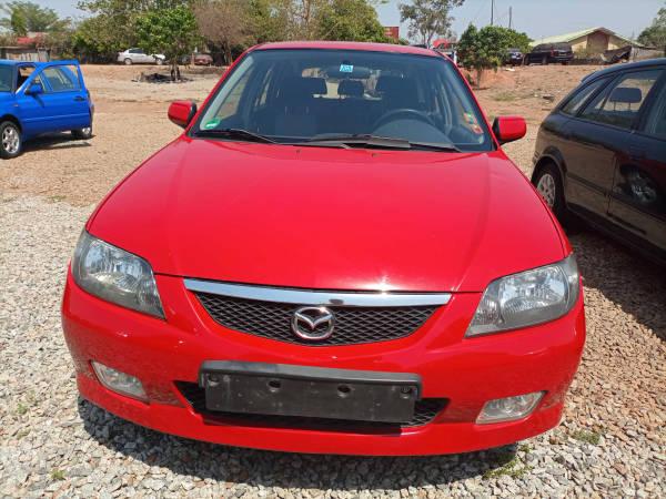 2004 Mazda 323