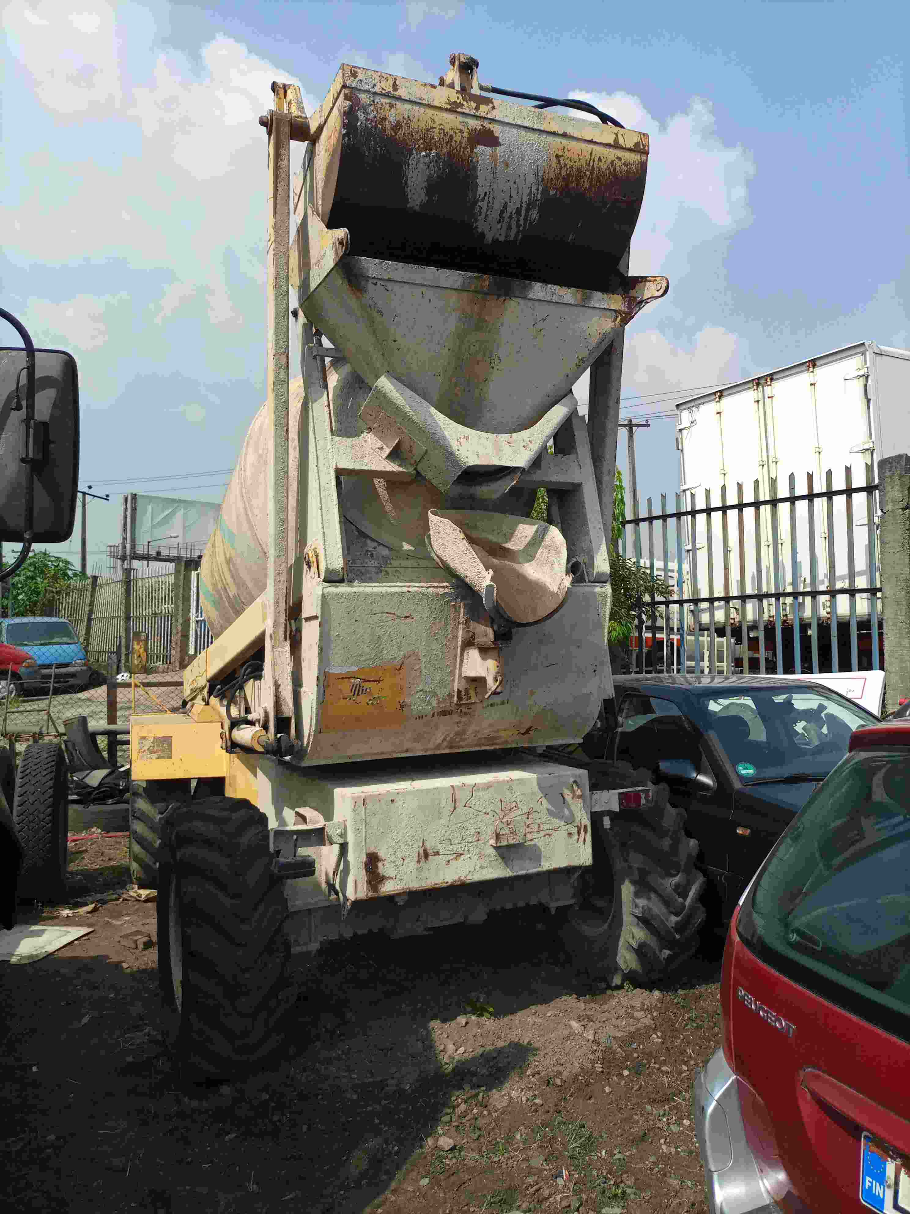 0 Iveco HIAB WITH CRANE