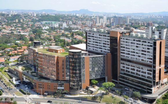 O Einstein é uma das instituições particulares mais importantes do Brasil, e também o sonho de muitos que vêm fazer residência em São Paulo