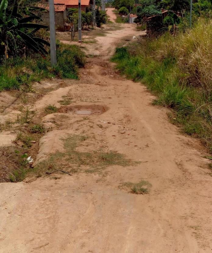 Moradores chamam atenção para a falta de infraestrutura em avenida de Imperatriz