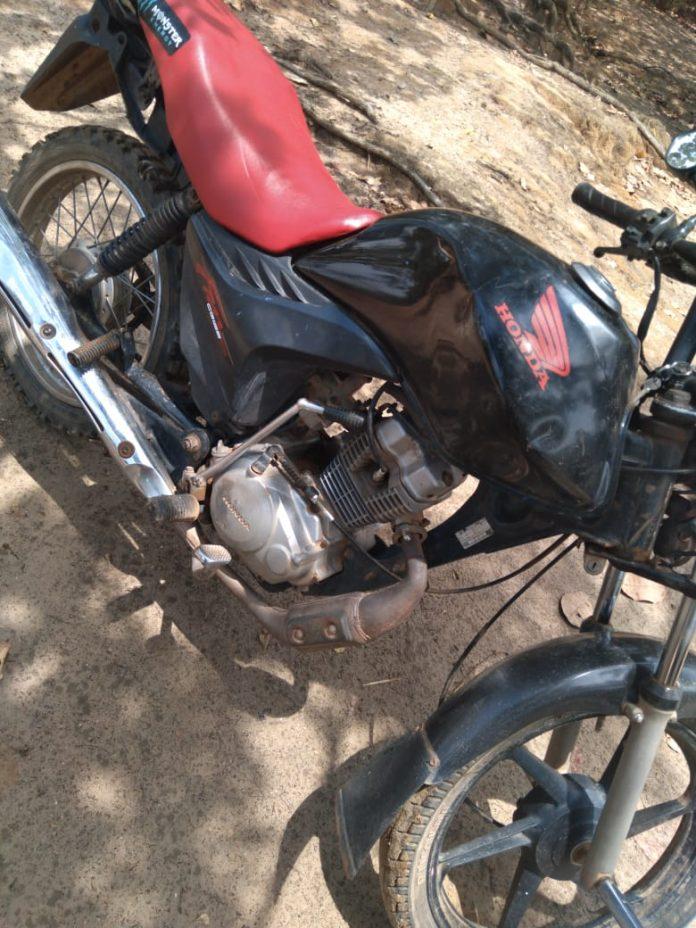 Dono de oficina é preso após ser flagrado com moto roubada