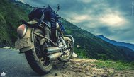 The_tired_motorcycle_4917x2832
