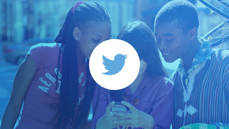 Social-Media-Presentation-Template_Screen-4