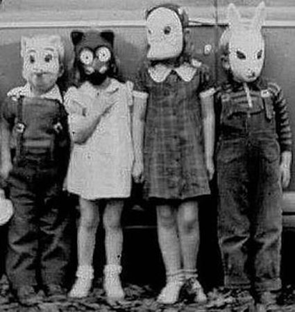 Four Kids with masks