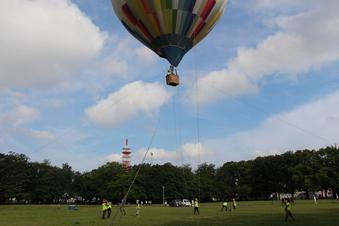 航空公園で気球体験#388063