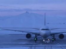 チンギスハン空港(前日夜間に降雪)