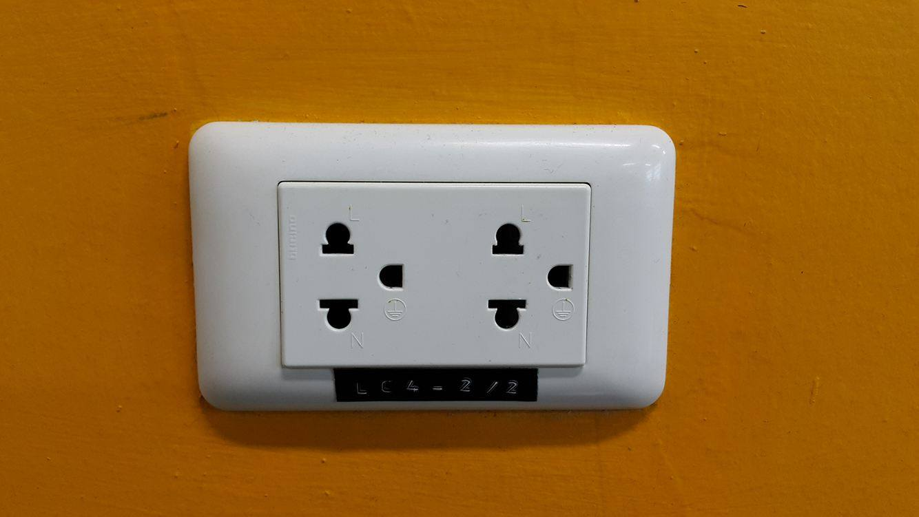 Electrical Plug Outlet And Voltage Information For Australia