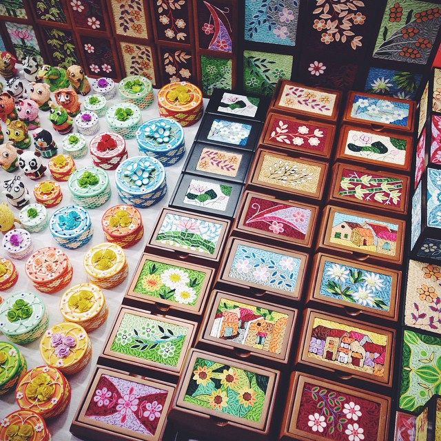 handicraft night market