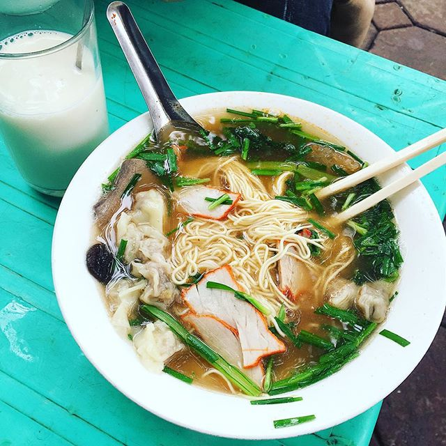 Wonton Noodles on Hoa Ma breakfast hanoi