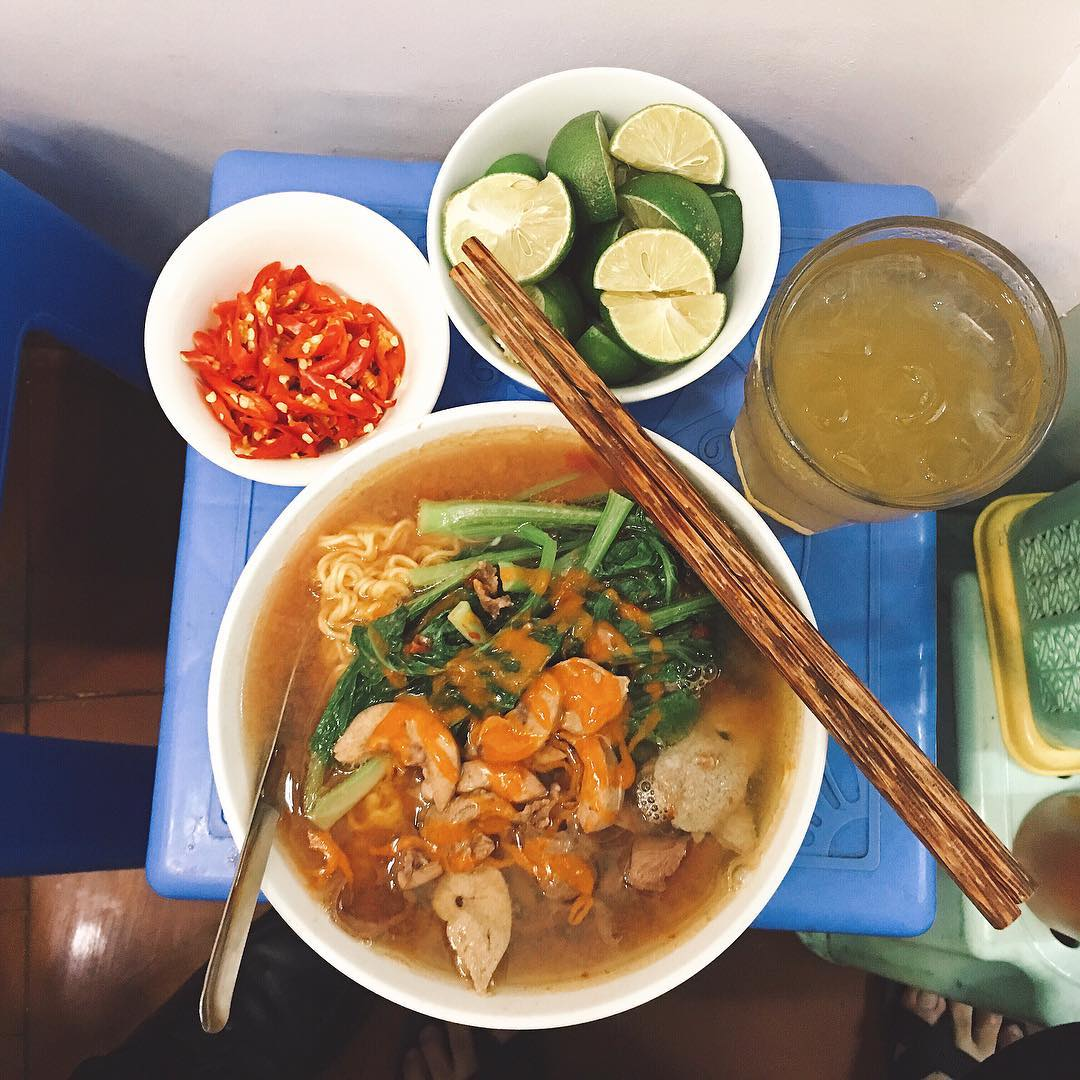 Noodles of Ms. Mai Beo breakfast hanoi