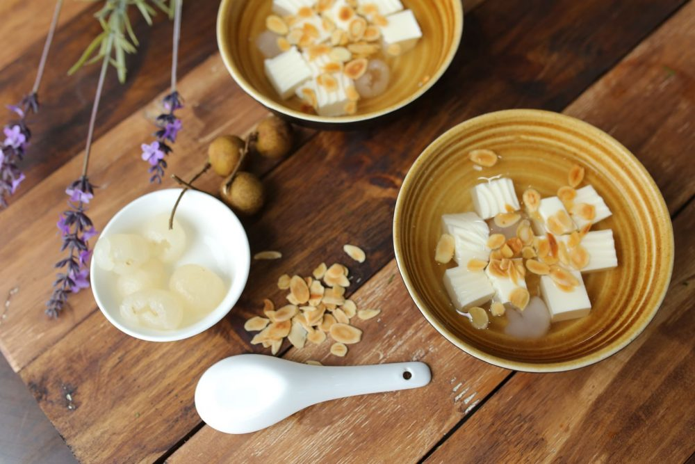 """Top 8 tasty """"Chè"""" of Saigon and best places to try them"""