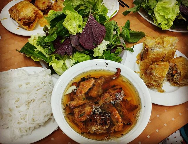 places to eat in Hanoi