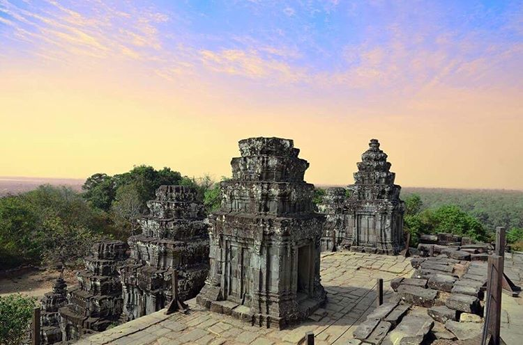 Detailed guide to explore Angkor wat sunset
